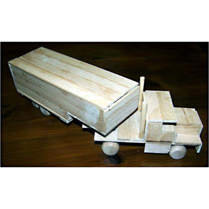 kamión - dřevěný materiál na výrobu modelů