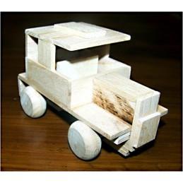 osobní auto - dřevěný materiál na výrobu modelu